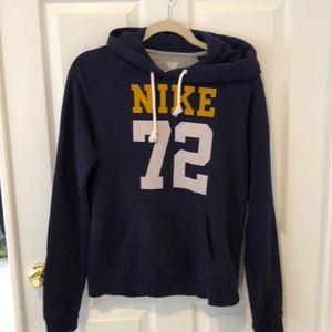 Nike sweatshirt size medium